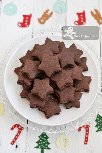 chocolate cream sandwich cookies
