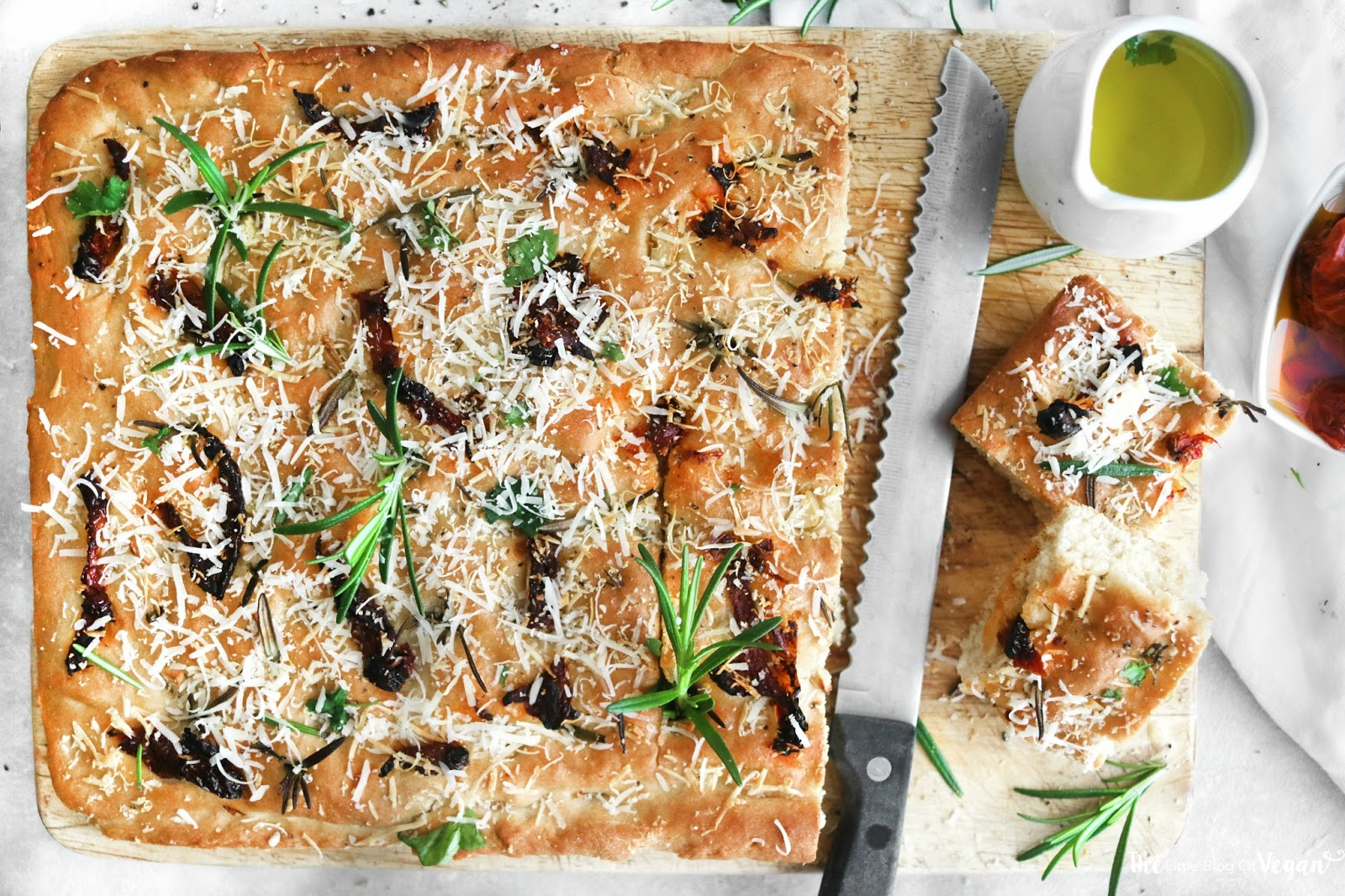 Sundried tomato, garlic & rosemary focaccia recipe | The ...