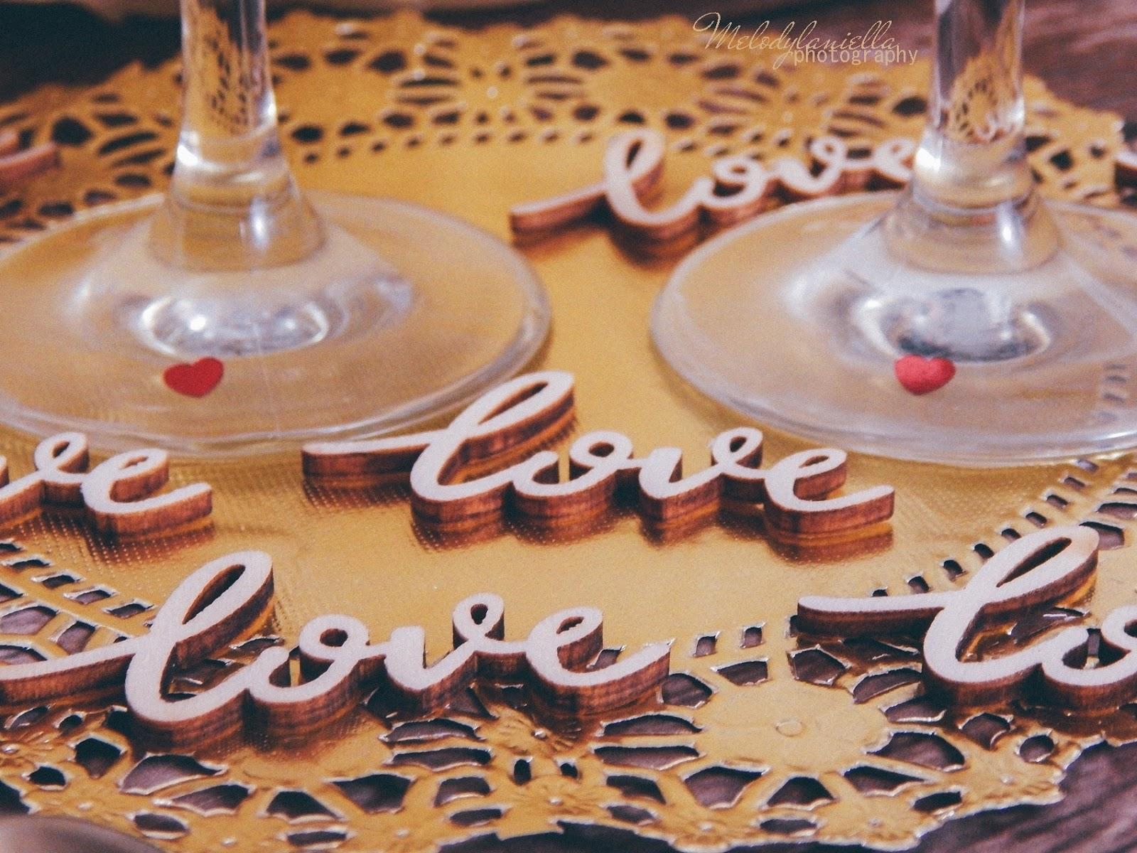 5 partybox stroje dekoracje gadżety na imprezy na urodziny na rocznice na ślub na wesele zaręczyny ozdobne talerze ozdobne sztućce dodatki wystrój wnętrz konfetti balony love tiul dekoracyjny złote dodatki