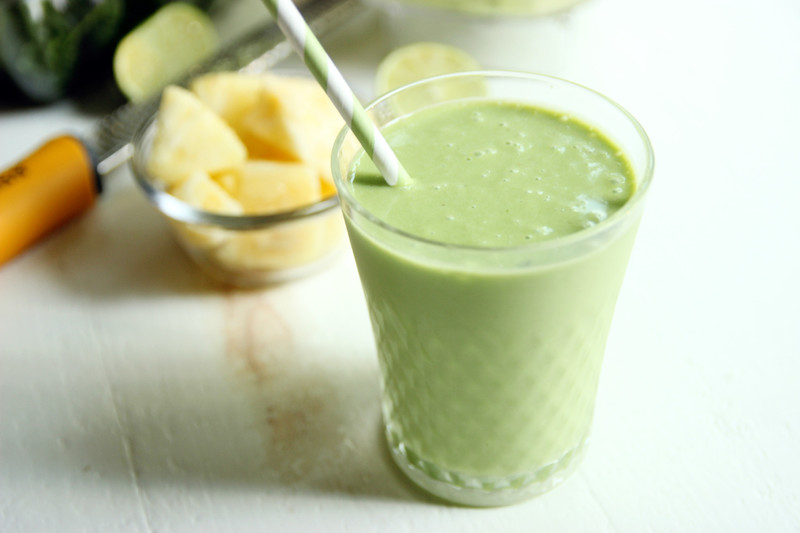 Confessions of a Confectionista: Green Piña Colada Smoothie