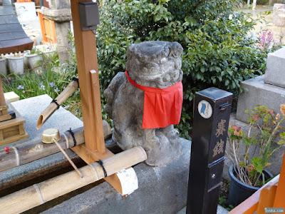 蒲田神社手水舎狛犬
