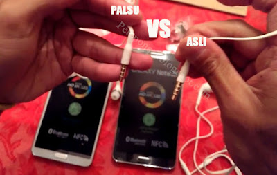 Ingin membeli headset atau earphone original Nih Cara Membedakan Headset (Earphone) Hp Samsung Asli dan Palsu/ Replika