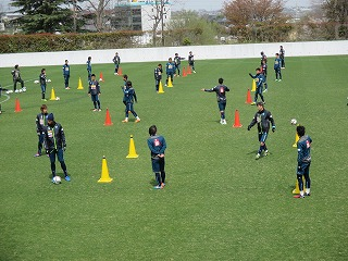 サッカー場オープンスタジアム 「横浜FC」/「日体大FIELDS横浜(女子サッカー部)」公開練習のお知らせ