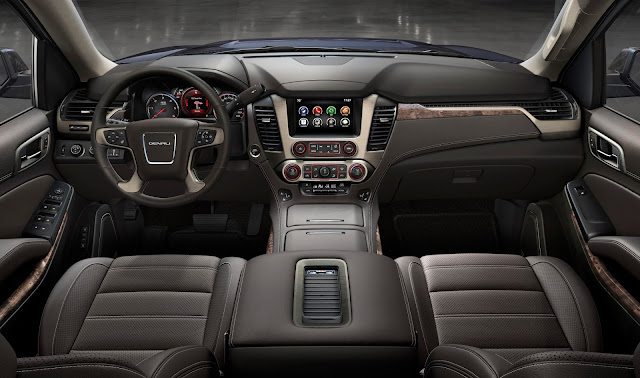 Interior view of 2017 GMC Yukon XL Denali