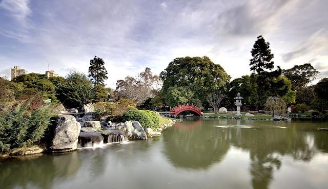 Vista del jardín japonés de Buenos Aires