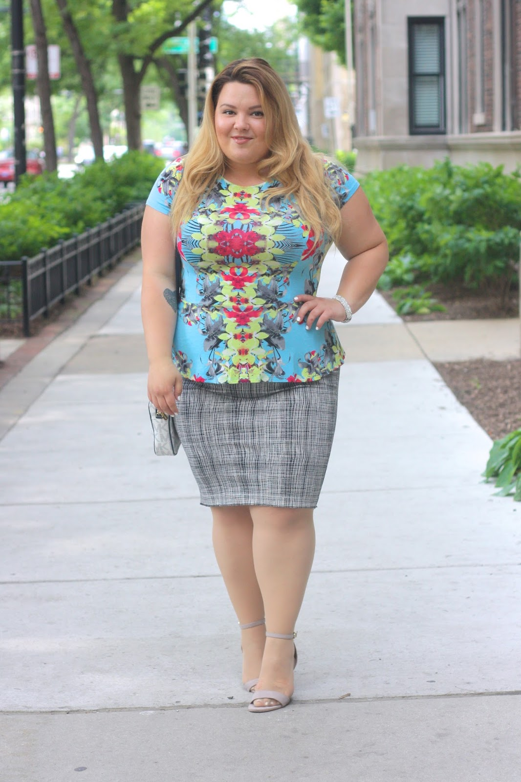 floral print, neon floral, floral symmetry, natalie craig, natalie in the city, chicago, fashion blogger, plus size fashion blogger, chicago blogger, windy city bloggers, vince camuto pencil skirt, plus size fashion, fatshion