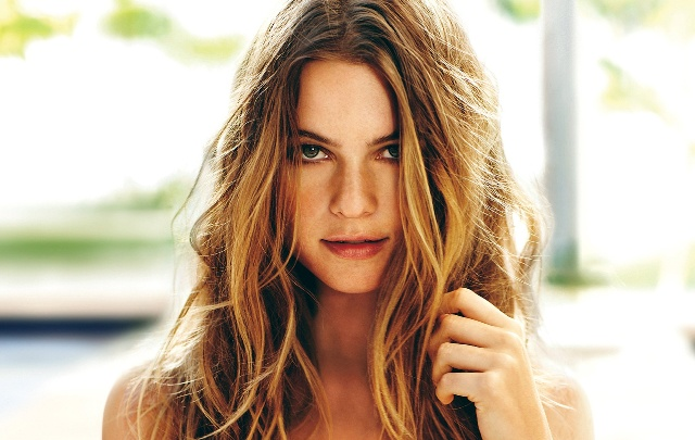 Model Victoria Secret Paling Hot - Behati Prinsloo