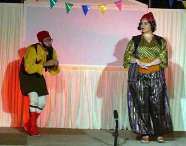 Ηθοποιοί στο Ναύπλιο παίζουν... Καραγκιόζη