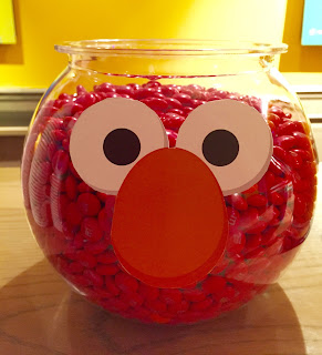 Easy Elmo birthday party decoration DIY