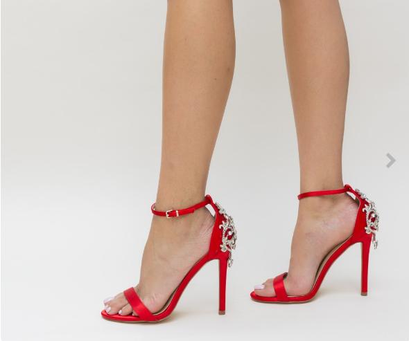 Sandale cu toc rosii din satin cu brosa argintie elegante de ocazii