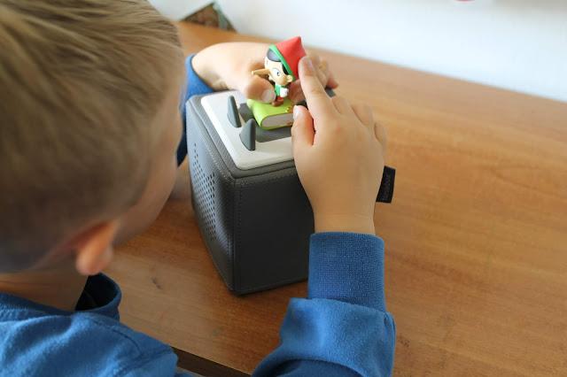 Little L und Tonie Box Hoerspielbox und tonies Hoerspiele Jules kleines Freudenhaus