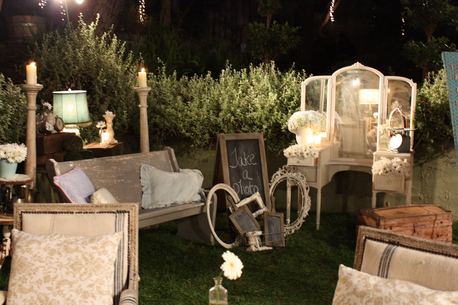 storibook weddings tori and dean 39 s shabby chic wedding behind the scenes heavenly blooms. Black Bedroom Furniture Sets. Home Design Ideas