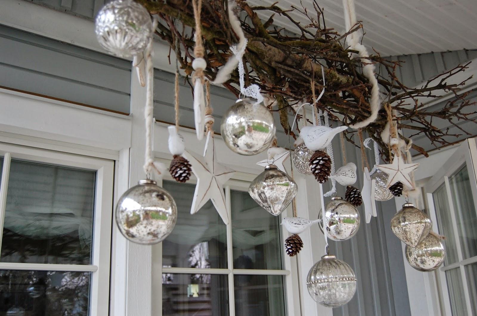 haus weihnachtlich dekorieren 1001 dekoideen weihnachten das treppenhaus weihnachtlich. Black Bedroom Furniture Sets. Home Design Ideas