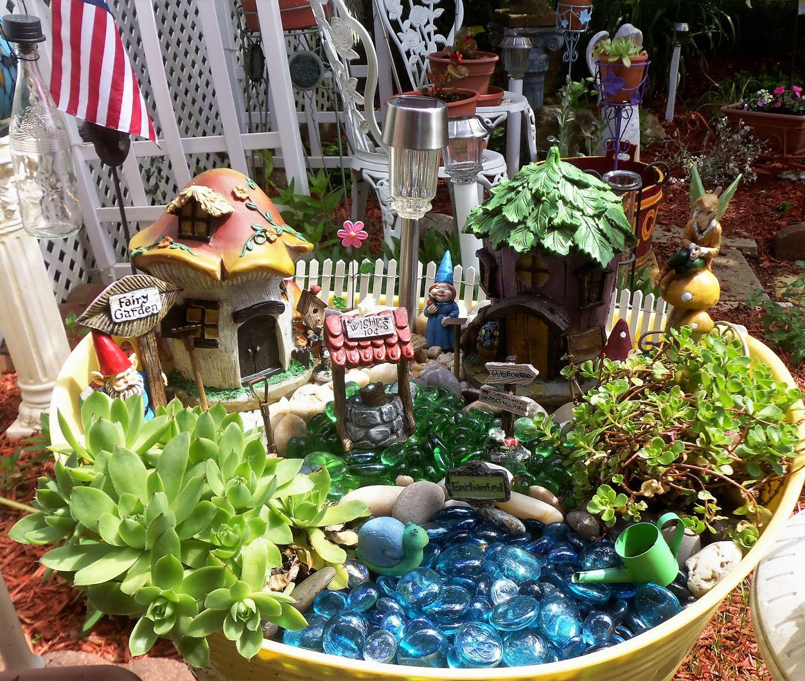 Gnome In Garden: DEBBIE-DABBLE BLOG: Gnome Fairy Garden Tub, 2017