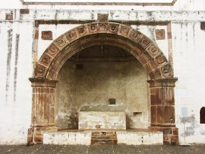 Capilla Abierta en el Ex Convento de Santa Ana en Tzintzuntzan, Michoacán