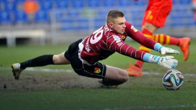 Spurs target Dragowski will decide his future in 2 weeks