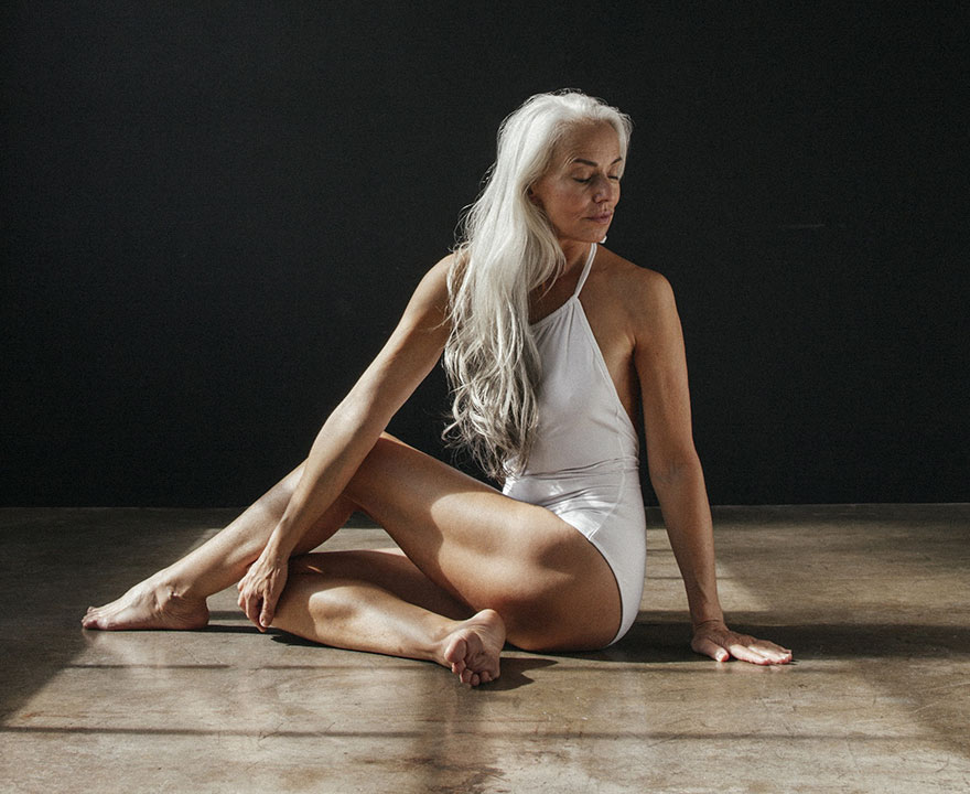 This woman proves that swimwear models don't have to be young - 61-Year-Old Model Absolutely Rocks Her Swimsuit Campaign, And Shares Her Beauty Secrets