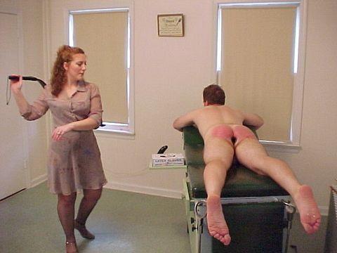 xxx women spanking men