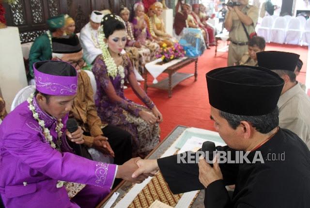Ratusan TKI Malaysia Lakukan Isbat Nikah Untuk Mendapatkan Buku Nikah Dari Pemerintah