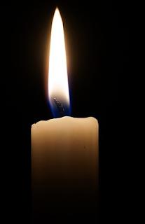 Cara Membersihkan Lilin di Lantai Menggunakan Setrika