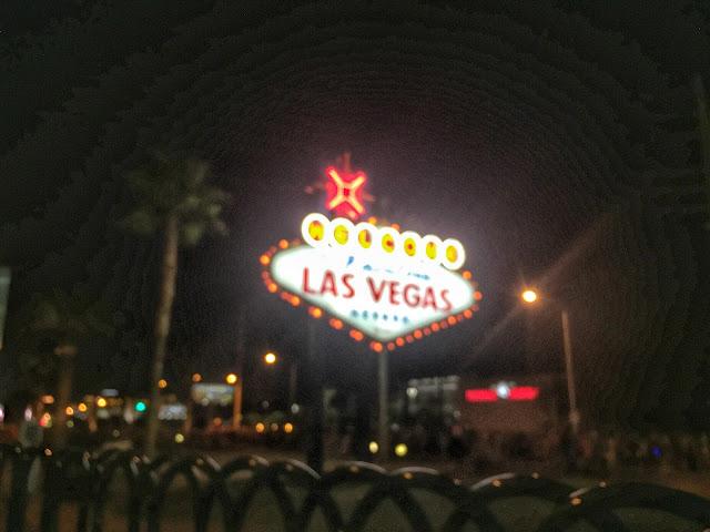 Rock'n'Roll Las Vegas Half Marathon Vegas Sign