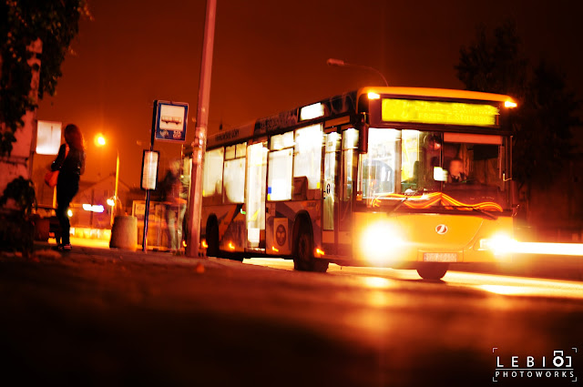 Żul jedzie autobusem, autobus jedzie żulem.