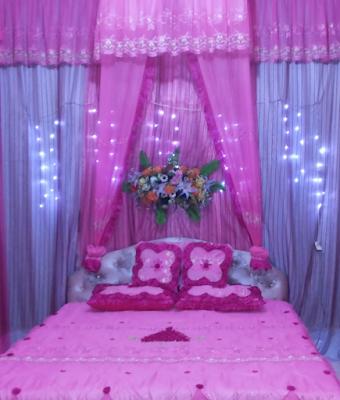 Desain dekorasi kamar pengantin romantis
