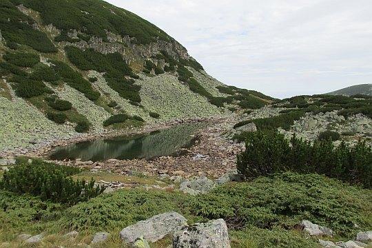 Jedno z Musaleńskich Jezior na wysokości 2486 m n.p.m.