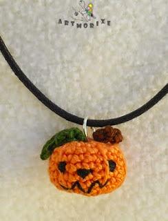http://morixe.blogspot.com.es/2014/10/conjunto-calabacitas-halloween-con.html