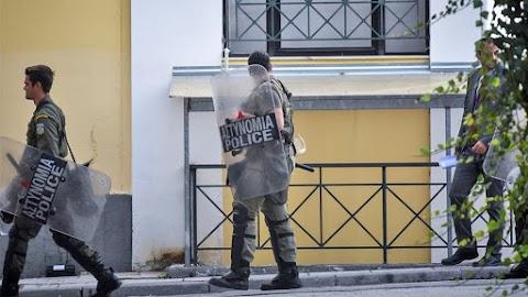 Στα κάγκελα οι αστυνομικοί για τον εξευτελισμό από τις συλλογικότητες