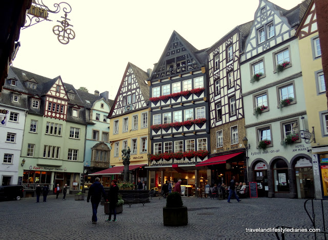 Beautiful Cochem Village and Schnitzel Dinner at Beim Weinbauer
