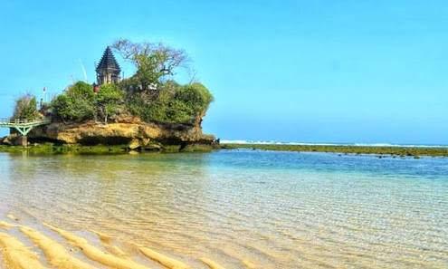 Keindahan Pantai Balekambang Malang