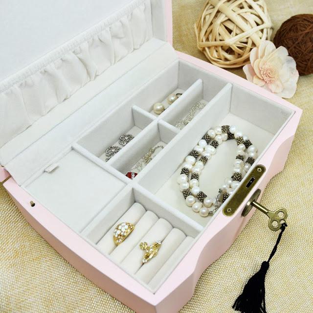 Shop Nile Corp Wholesale Premium Pink Wooden Musical Jewelry Box with Lock