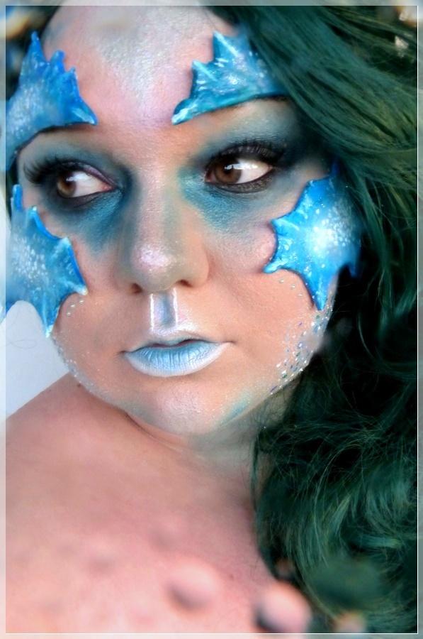 kreativer Wassermensch Make-up Look