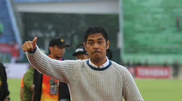Tahan Imbang Semen Padang, Pelatih Nilmaizar: Persib Parkir Bus