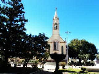 Praça Rio Branco e Igreja Matriz de Bom Jesus