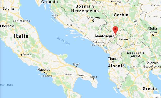 Agujero de 100 pies aparece después de un temblor de tierra en Montenegro