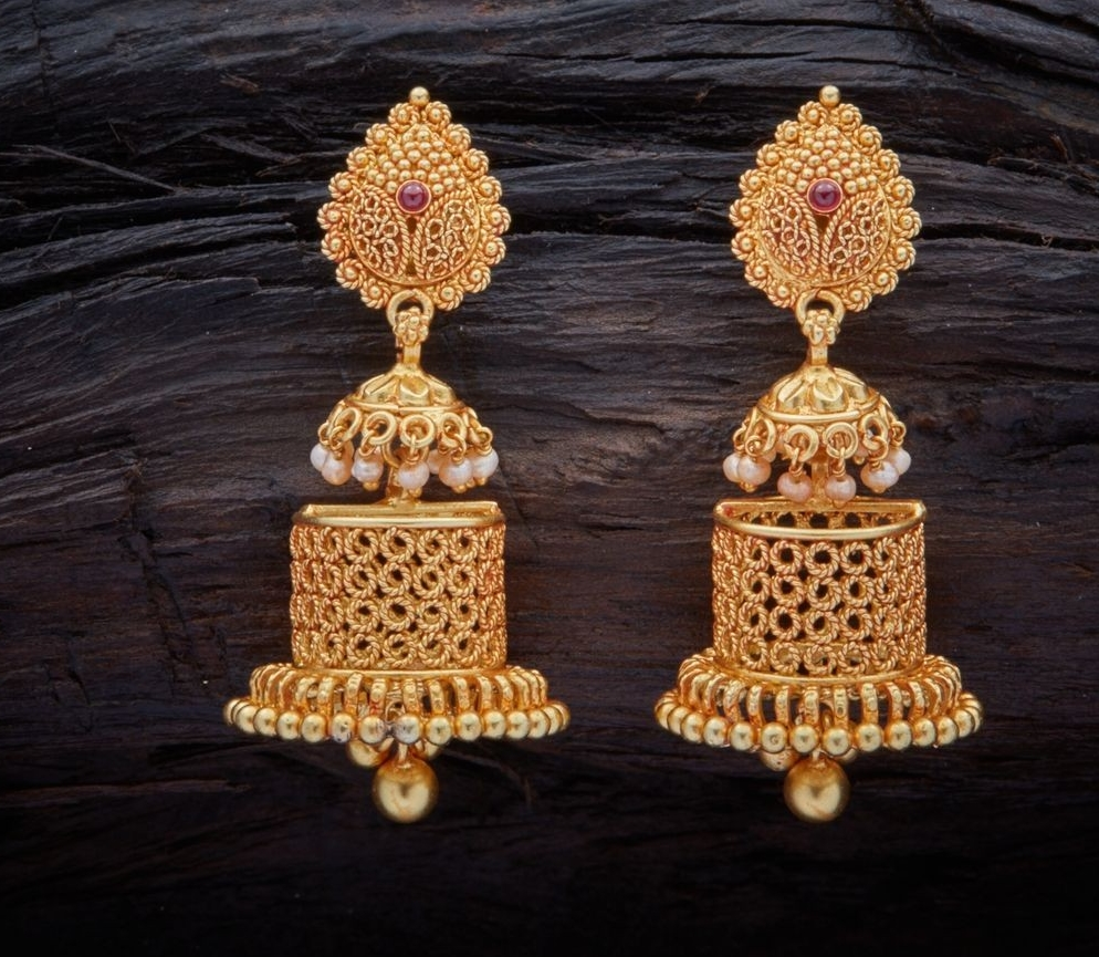 2846504df Intricate jaali aka mesh work gold jhumkas are also a gorgeous choice for  south Indian brides who are looking to experiment and try new styles.