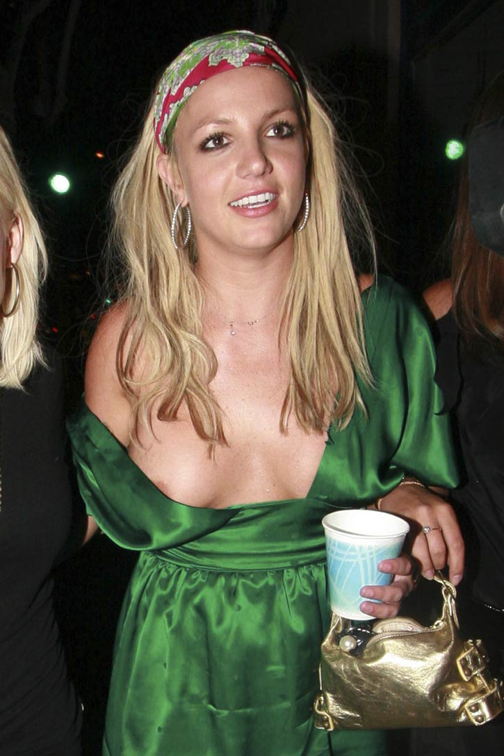 Are absolutely celebrity nipple slips upskirts