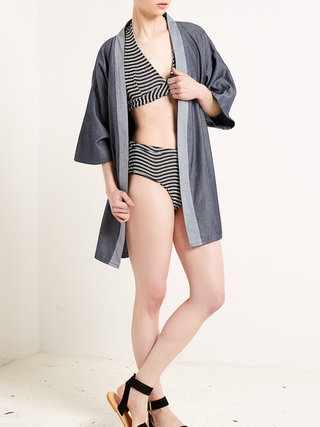 https://www.stylewe.com/product/blue-half-sleeve-denim-plain-kimono-28366.html