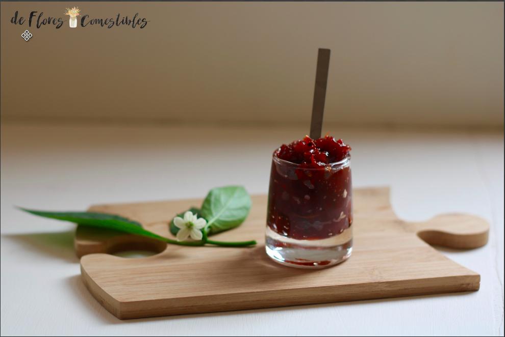 Sencilla de hacer con pimientos y vinagre, una mermelada agridulce