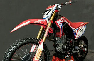 Spesifikasi Honda CRF150L  Power : 9,51 kW/12,7 HP/12,91 PS@8.000 rpm