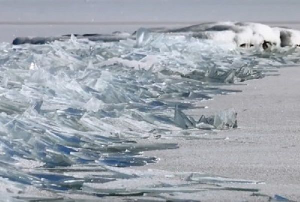 These Frozen Waves Look Like Piles Of Broken Glass, And I Can't Stop Watching.