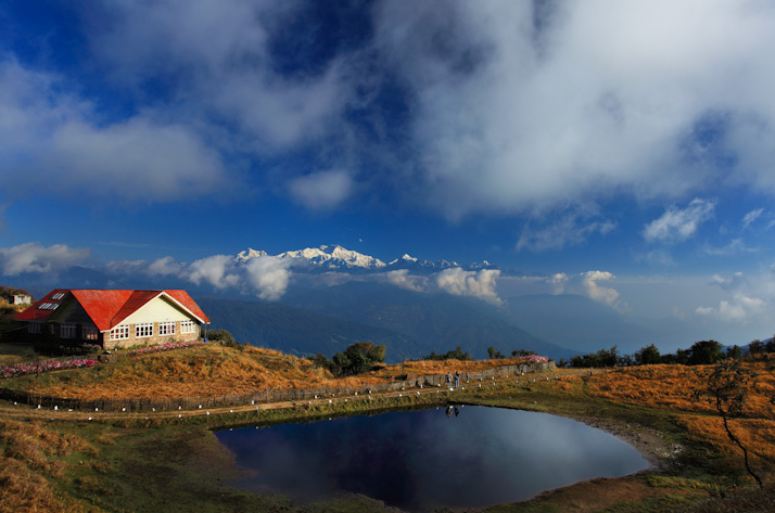 Sandakphu -Top ten offbeat Himalayan treks in india- The Visual Yatra