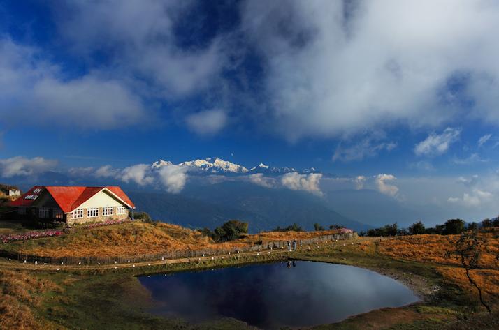 Sandhakpu trek in Himalayas