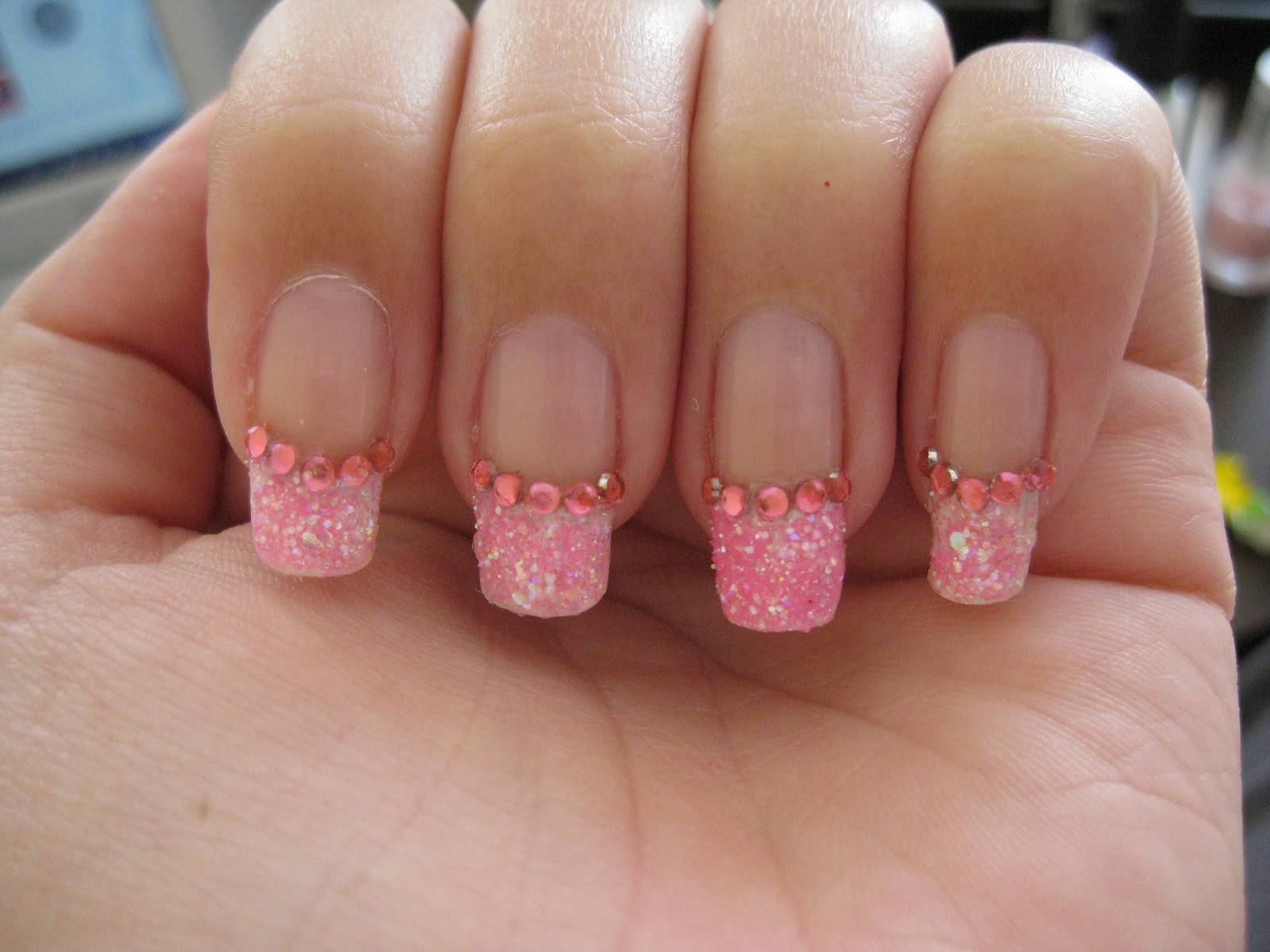 nagels witte rand