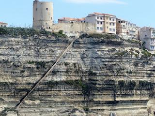 Les falaises de Bonifacio et l'escalier du roi d'Aragon