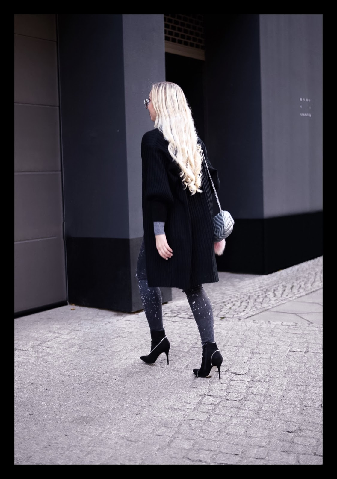 long blonde natural hair_long natural hair_long hair_long cardigan