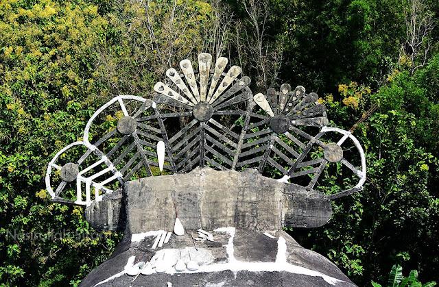 Bagian ekor Gereja Burung Magelang