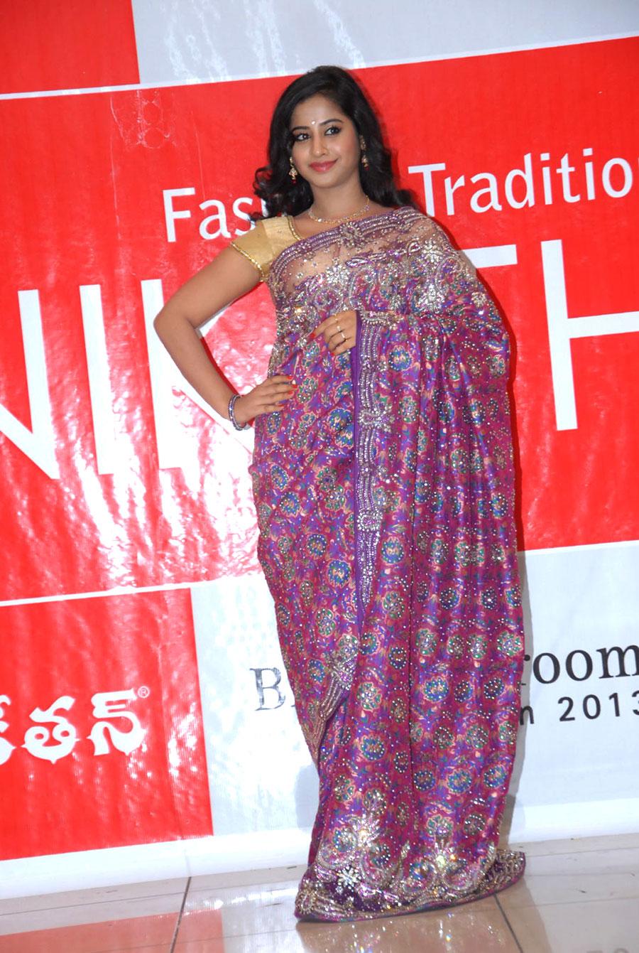 Model swathi in designer saree at kalaniketan wedding collection